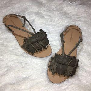 New Banana Republic  fringe sandal Sz 8